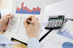 Supply Chain <em>Finance</em> or Invoice Factoring: Which is Better for Managing Cash Flow?